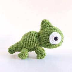 Chameleon soft toy; green chameleon; crochet amigurumi chameleon