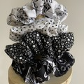 Black and white Scrunchie set