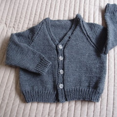Size 4-5yrs :hand knitted cardigan; unisex, washable