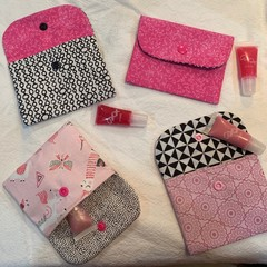 Pouch with elastic inside
