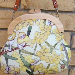 Wattle babies handbag with crossbody strap