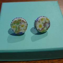 Royal Winton White Crocus Crown Edge Earrings    #001