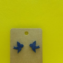 Resin bird stud earrings
