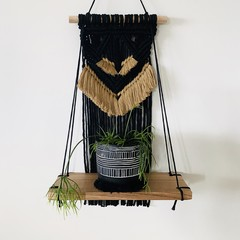 Macrame shelf (black/mustard fringe)