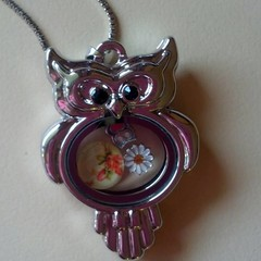 Silver owl shaped floating charm pendant necklace