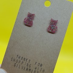 Resin cat stud earrings
