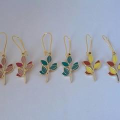 Gold leaf charm dangle earrings