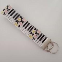 Piano / music and bow print key fob wristlet