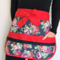 Teacher Apron Roses Six pockets FREE Tracked POST!