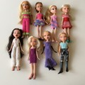 A Zippered Case of 8 Bratz Dolls in New Knitted Outfits