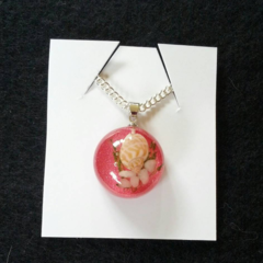 Pink sea shell resin pendant necklace