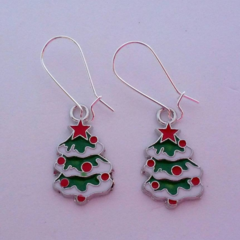 Red and green Christmas tree earrings
