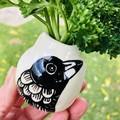 Little magpie vase