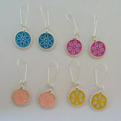 Round enamel flower disc earrings