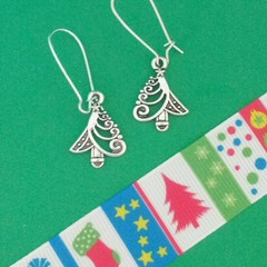Silver filigree Christmas tree earrings
