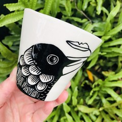 Magpie cup