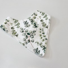 Eucalyptus bandana bib