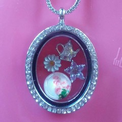 Silver oval floating charm necklace