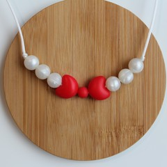 BOW RED & PEARL SILICONE CHEWABLE NECKLACE