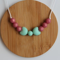 MINT & PINK PEARL BOW SILICONE CHEWABLE NECKLACE
