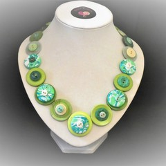 Green button necklace - Lime Gelati