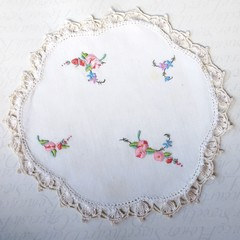 Pretty Pink Blossoms round embroidered Vintage Doily table mat linen