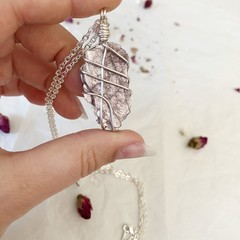 Lepidolite pendant - Silver 60cm
