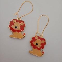 Enamel lion charm earrings