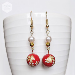 Glossy Goldy White Sakura in Red Earrings