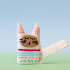 Handmade cat brooch, Wool felt sleepy cat, Animal brooch pin, rainbow kitty