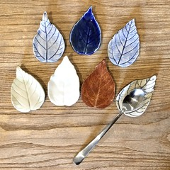 Leaf Teaspoon holder - tea strainer holder- teaspoon rest - Chopstick rest