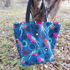 JOCELYN PROUST KING PARROT  TOTE (Water-resistant lining)