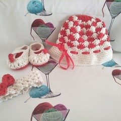 Sweet Elegance Hat & Bootee Set