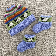 Blue sheep baby beanie and Matching Booties - up to 4 months - Hand knitted