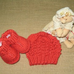 Hand knitted unisex set