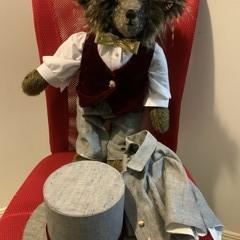 Teddy bear with suit