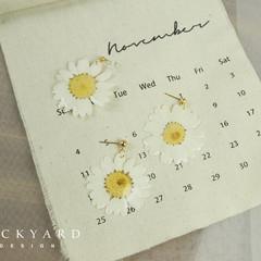 Handmade Floral Earrings/Handmade Screw back Earrings with White Daisy