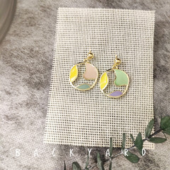 Handmade  asymmetry earrings with colorful circle/ anti-allergic earring