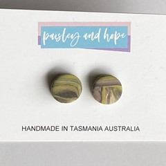 Marbled polymer clay studs