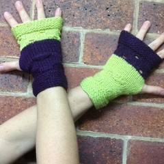 Digital PDF Pattern - Knitted 8ply - Lunarcy Mitts