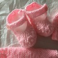 Hand kniited newborn set
