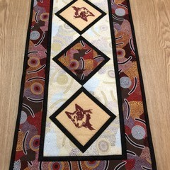 Australiana table runner - RED DOG