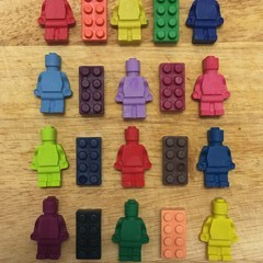 LEGO Men and Brick crayons