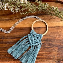 Macrame laurel necklace
