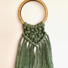 Macrame laurel necklace