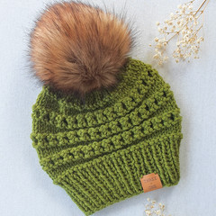 BIRDIE BEANIE - Fits child & ladies
