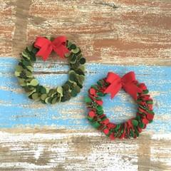 Christmas wreath, 2 colour choices, festive decor