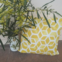 YELLOW AND WHITE GEOMETRIC OUTDOOR CUSHION COVERS 45 CM X 45CM