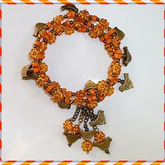Bird braceley. Acrylic, wood and antique gold bracelet