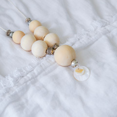 White Disc Shell Pendant With Wooden Round Beads